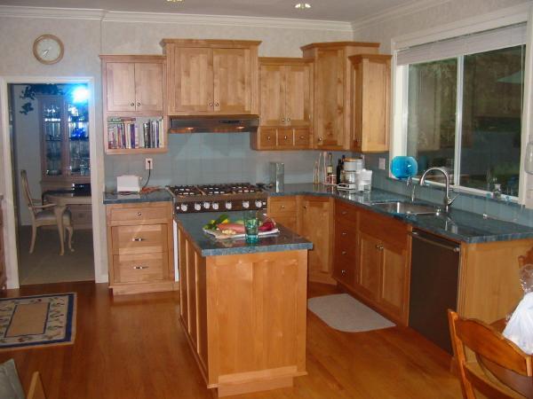 Higgins cabinetry photographs for Alder shaker kitchen cabinets